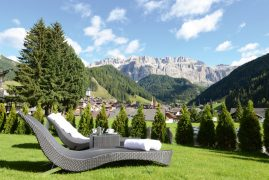 pine lodge dolomites lamdschaft